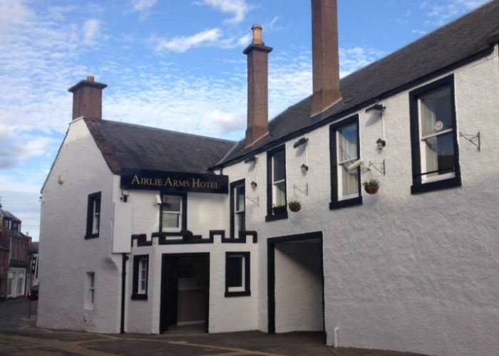 Airlie Arms Hotel, Kirriemuir