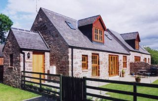 Kamba and Nantusi Cottages, Kirriemuir