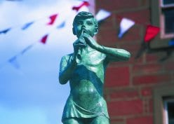 Peter Pan Statue in Kirriemuir - starting point for the cycle route to Reekie Linn