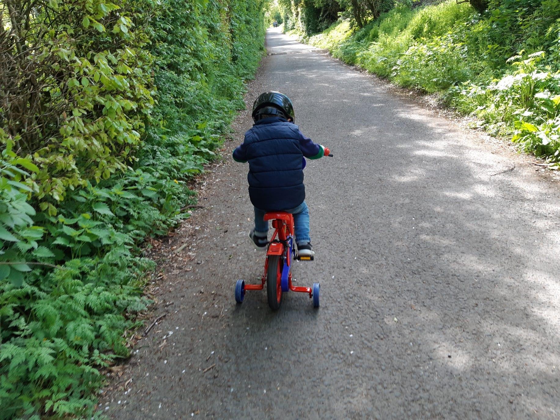 Bike ride round Forfar Loch